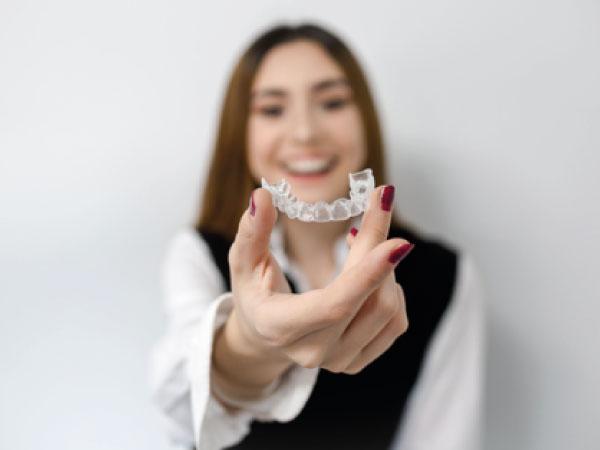 Invisalign en Vitoria | Clínica Dental Mozas Vitoria-Gasteiz